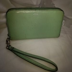 A9,293 Fossil Green Leather Wristlet Wallet Bag